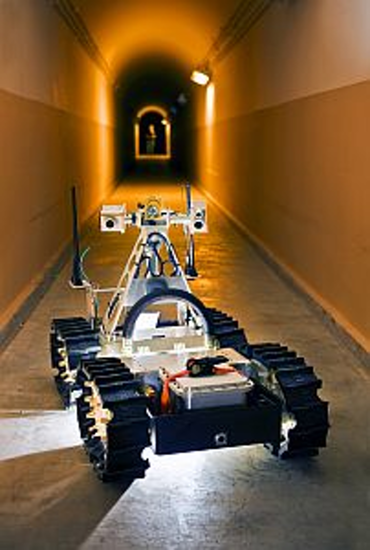 Vision guides Sandia service robots down into mines