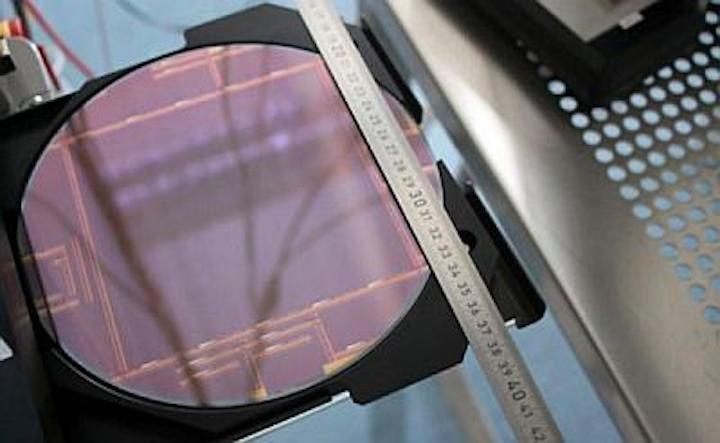 The DynAMITe (Dynamic range Adjustable for Medical Imaging Technology) CMOS image sensor