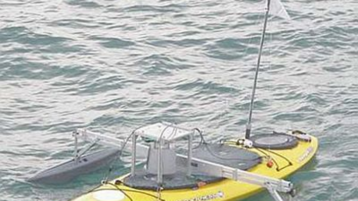 Robotic kayak helps map marine structures
