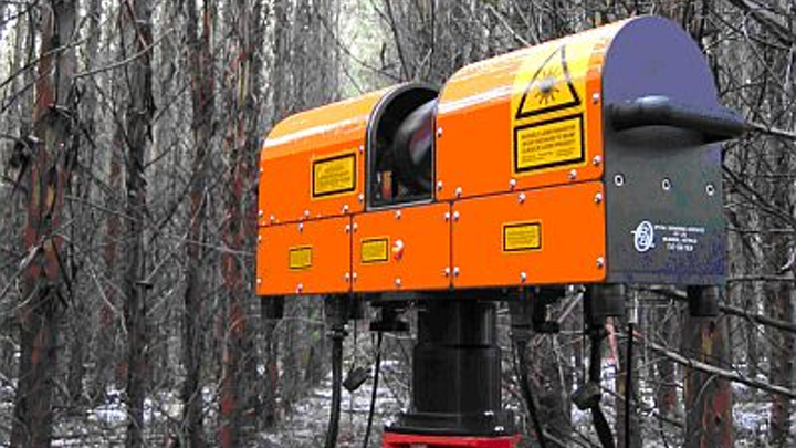 Ground-based ECHIDNA laser scanner uses lidar to record data that enables researchers to determine how much plant material forests have for later analysis of available carbon stores