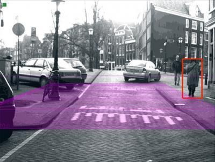 With the help of a lecturer at the University of Alcala, a team of German researchers from the University of Heidelberg and the Max Planck Institute for Informatics has developed a stereo vision system for Daimler that locates pedestrians in front of a vehicle.