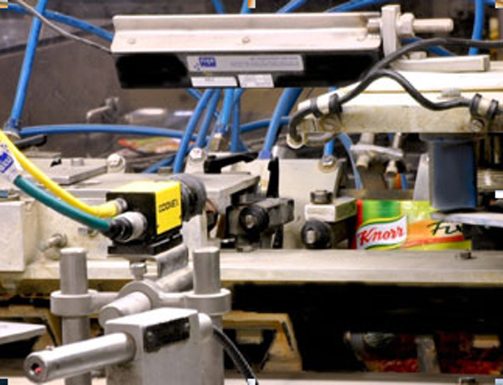 Cognex system checks seams of Knorr food sachets for defects