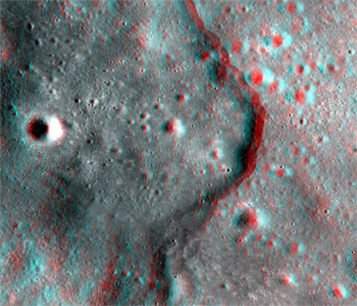 NASA publishes 3-D images of the moon