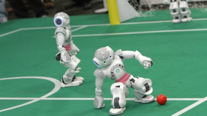 Content Dam Vsd En Articles 2013 07 Vision Enabled Robots Play Soccer Leftcolumn Article Thumbnailimage File