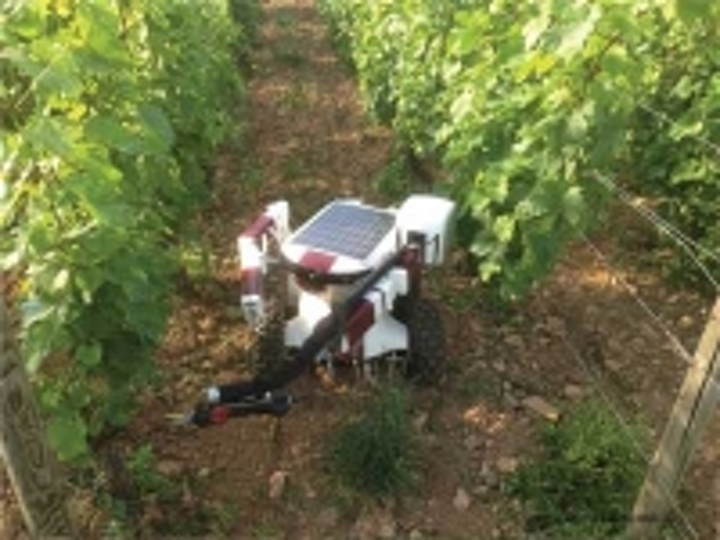 Content Dam Vsd En Articles 2014 02 Report Agricultural Robot Market Expected To Hit 16 3 Billion By 2020 Leftcolumn Article Thumbnailimage File