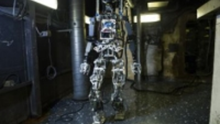 Content Dam Vsd En Articles 2015 02 Vision Guided Humanoid Robot And Uav Work In Tandem To Fight Fires Leftcolumn Article Thumbnailimage File