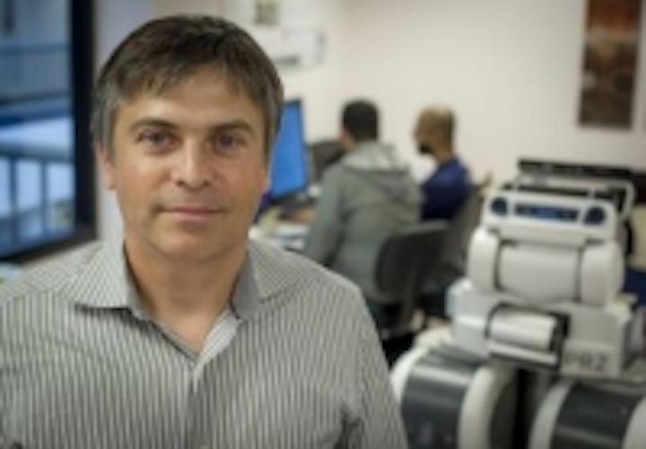 Content Dam Vsd En Articles 2015 10 Researchers Developing Robotic Nursing Assistants Leftcolumn Article Thumbnailimage File