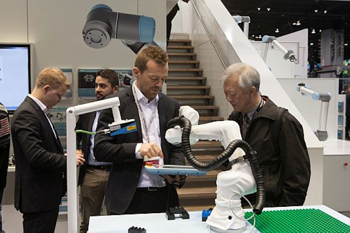 Content Dam Vsd En Articles 2017 05 Universal Robots At Automate 2017 Rise Of Collaborative Robots The Impact Of Robots On Jobs Leftcolumn Article Headerimage File