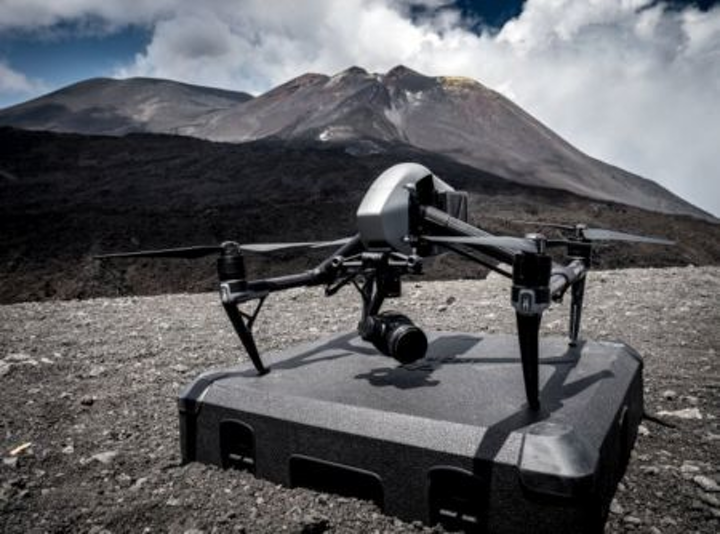 Content Dam Vsd En Articles 2017 08 Drones Aided By Infrared Camera Collect Gas From Volcano Leftcolumn Article Headerimage File