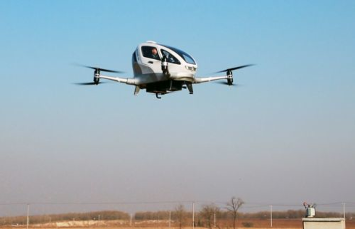 Content Dam Vsd En Articles 2018 02 Autonomous Flying Taxi Seen Carrying Passengers Into Flight Leftcolumn Article Headerimage File