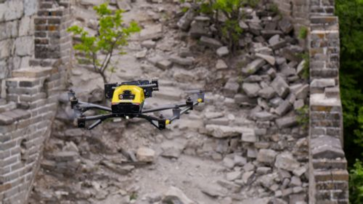 Content Dam Vsd En Articles 2018 07 Vision Guided Drone From Intel Aids In Restoring The Great Wall Of China Leftcolumn Article Headerimage File