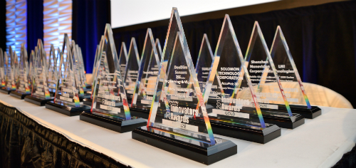 Content Dam Vsd Gallery En Articles Slideshow 2019 April Image Gallery 2019 Innovators Awards Honoree Presentation At Automate 2019 2019 Innovators Awards On Table
