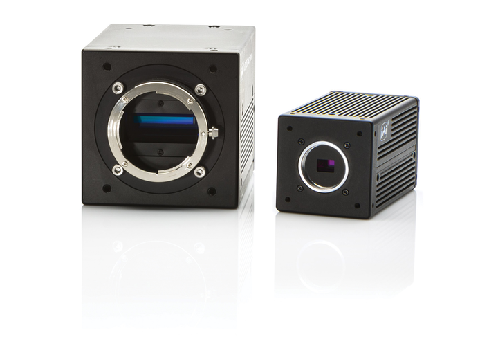 Figure 1: Based on prism technology, Sweep + and Fusion multispectral cameras provide simultaneous images of different light spectrums through a single optical path.